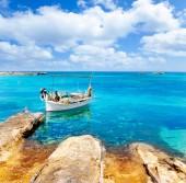 Bei der Reise auf die wunderschöne Insel Formentera gilt es die Augen aufzuhalten. Mit vielen kleinen Kniffen kann man richtig Geld sparen.