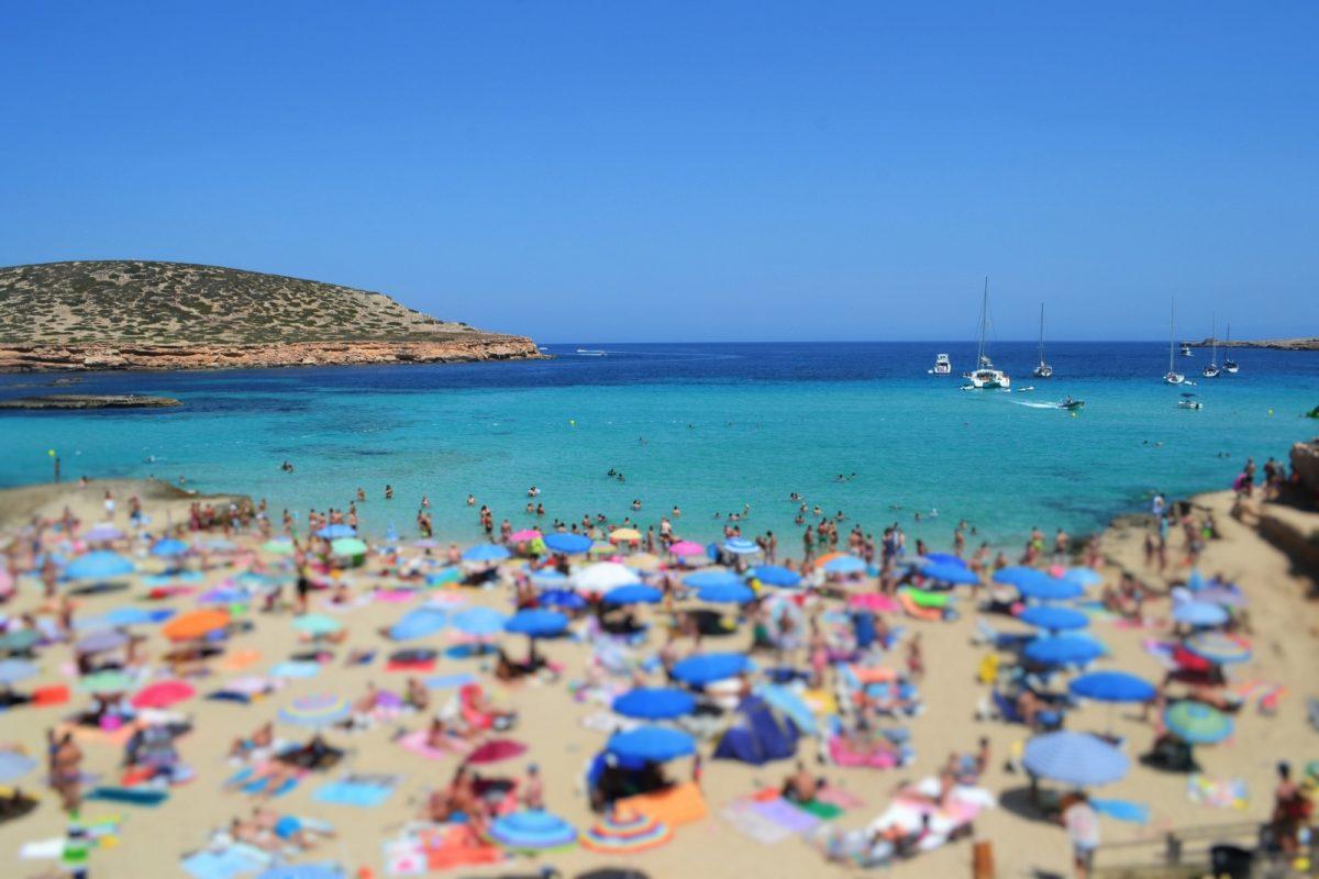 Damit Sie nicht erst auf einem der schönen Strände von Formentera feststellen, dass Sie etwas vergessen haben: Hier finden Sie die Checkliste für den Strandurlaub auf Formentera.
