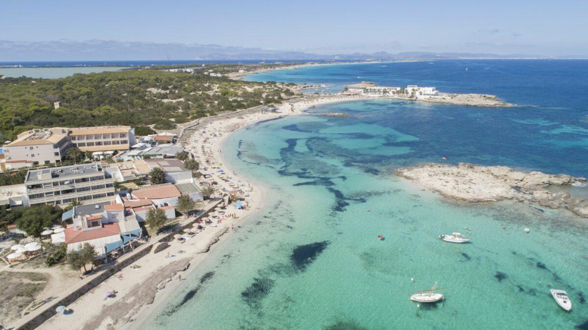 Auf Formentera befinden sich neben Hotels auch zahlreiche weitere Unterkünfte.